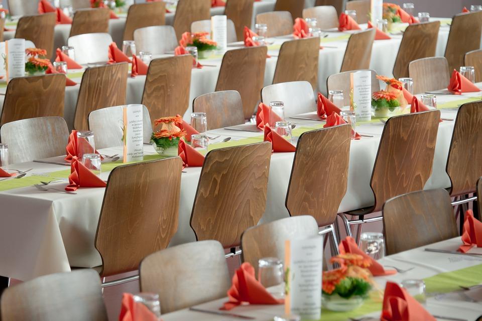Affittare sedie e mobilio a Roma